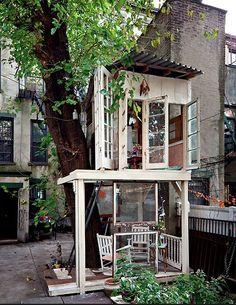Indoor-outdoor tree house living...