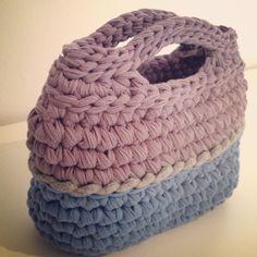 עושה עיניים - תיק קטן וחמוד Cotton Cord, Merino Wool Blanket, Knit Crochet, Arts And Crafts, Purses, Sewing, Knitting, Bags, Crochet Baskets
