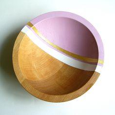 cheap wooden bowls + painters tape + paint = cute decorative bowls