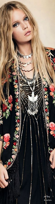 Boho bohemian floral pattern necklace jewelry women's fashion outfit ideas inspiration
