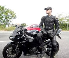 Bike Suit, Motorcycle Suit, Biker Leather, Leather Men, Leather Pants, Motard Sexy, Motorbike Leathers, Leder Boots, Riders On The Storm