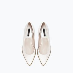 Image 2 of ZIPPED POINTY BALLET FLAT from Zara