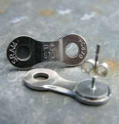 Chain link earring - bike