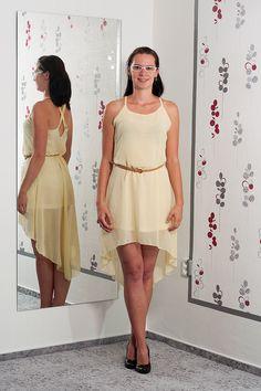 094. Žluté šaty moderního střihu se zajímavou sukní a páskem.  Vel.: 38  Cena: 420,- kč