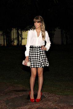 look da noite, blog de moda ribeirão preto, pied pouli, estampa, conjunto, saia evasê, peep toe vermelho, zara, Full Store, pulseira couro e pe (2)