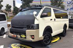 ハイエース200系ワゴンGL キープスラントリフトアップ カスタムデモカー、SBM(スタイルボックスミーティング)ファイナル 東京お台場に出展! ヘッドライトはコプラスに変更しました! Toyota Hiace Wagon