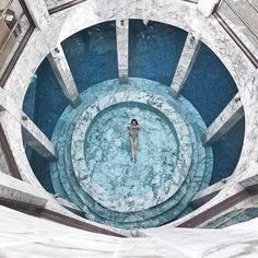 This marble indoor spa is everything 😍🙌🏻 @essaadimarrakech 📸 by @leonie.marrakech #travel #marrakech #holiday #essaadi #indoorspa #marble…