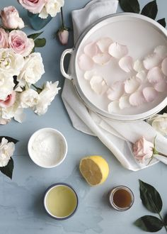 The History of Marie Antoinette's DIY Face Mask - Garden Collage Magazine Homemade Face Masks, Diy Face Mask, Diy Beauty, Beauty Skin, Beauty Tips, Diy Cosmetic, Homemade Scrub, Homemade Moisturizer, Collage