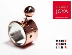 ¡Ven a conocer a los nuevos integrantes de nuestra vitrina! Estamos en Merced 346, Santiago. Cufflinks, Accessories, Crockery Cabinet, Getting To Know, Santiago, Jewels, Wedding Cufflinks, Ornament