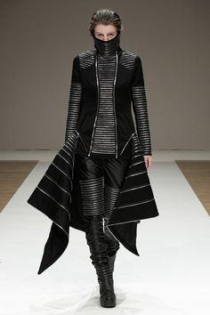 Liberum Arbitrium SS 2012, future fashion, avant-garde, futuristic clothing, black clothing, model, futuristic girl, black, futuristic style