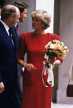 1987-06-05 Diana at the Royal College of Obstetricians and Gynecologists after being admitted as an Honorary Fellow.