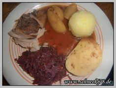 http://schnecki78.de/2014/02/rezept-schweinebraten-mit-knoedel/ Rezept #kochen #Rezept #Schweinebraten