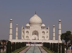Maybe the most amazing monument on Earth - Taj Mahal