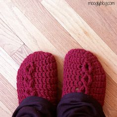 Free on Ravelry: Simple Chunky Cable Crochet Slippers pattern