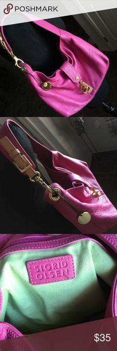 Sigrid Olsen Handbag Purse Excellent condition Sigrid Olsen shoulder bag! Sigrid Olsen Bags Shoulder Bags