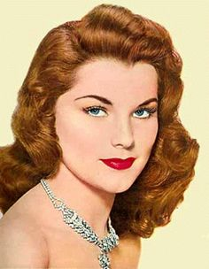 Skin Makeup with 1950 makeup with Makeup Trends The defined glamour 1950s Hair And Makeup, 1950s Makeup, Vintage Makeup, Vintage Beauty, Hair Makeup, Vintage Shoes, Vintage Cars, Vintage Fashion, Funny Vintage