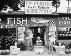 Walker Evans Roadside stand near Birmingham, Alabama, 1936