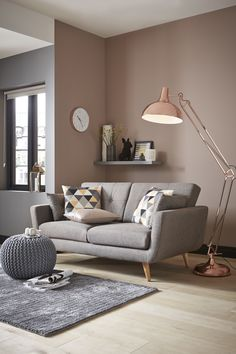 Warm up this cool, calm look with some retro-style lighting and accessories in polished copper Retro Floor Lamps, Unique Floor Lamps, Hall Furniture, Cheap Furniture, Open Plan Kitchen Living Room, Dining Room, Rose Gold Decor, Buy Furniture Online, Furniture Buyers