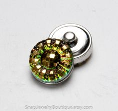 Snap button 18mm Czech glass, green pink yellow, fits Ginger Snaps, Magnolia & Vine, and Noosa jewelry, item E171