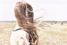 Els cabells a la tardor: per què cauen i com evitar-ho.  #Cabell #Tardor