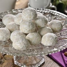 Prepare these delicious walnut kisses, and surprise your family or that special someone with this delicious recipe. Mexican Food Recipes, Sweet Recipes, Cookie Recipes, Brownie Cookies, Sugar Cookies, Churros, Graduation Party Desserts, Blueberry Oatmeal Muffins, Pan Dulce