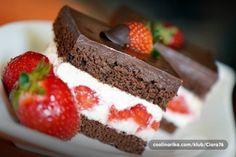 Lahodné jahodové kostky | NejRecept.cz Tiramisu, Cheesecake, Ethnic Recipes, Food, Party, Cheesecakes, Essen, Parties, Meals