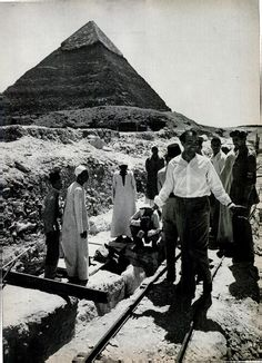 In 1954, Kamal el-Mallakh is pictured next to the still sealed boat pit.