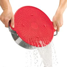 If you've ever used silicone gadgets, you'll understand why it's become such a hot item in the kitchen. Many choose silicone because it is simple to use, has a non-stick material, and is super easy to hand clean (plus, it's dishwasher … Cool Kitchen Gadgets, Kitchen Items, Kitchen And Bath, Kitchen Tools, Cool Kitchens, Kitchen Stuff, Cooking Gadgets, Gadgets And Gizmos, Rachel Ray