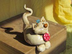 1 lustige Keramik Katze  ...  Kantenhocker von Keramania auf DaWanda.com