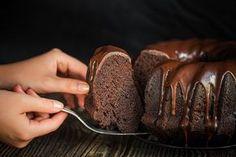 Dezert snů! Tři vláčné bábovky, které vám nebudou drhnout na jazyku - Proženy Baking Recipes, Cookie Recipes, Dessert Recipes, Sweet Desserts, Sweet Recipes, Chocolate Bunt Cake, Yummy Snacks, Yummy Food, Orange Creme