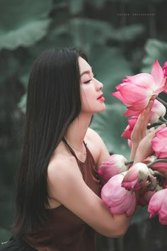 Vietnamese and Asian Beauty Girls. See more pictures original size at:. Beauty Tips For Women, Beauty Full Girl, Vietnamese Traditional Dress, Traditional Dresses, Vietnam Girl, Beautiful Asian Women, Ao Dai, Asian Woman, Asian Beauty