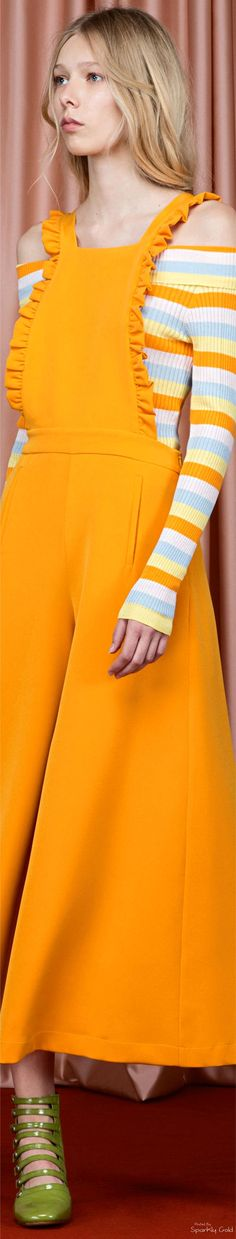 Vivetta Resort 2017 Orange Fashion, Stripes Fashion, Pink Fashion, Fashion 2020, Women's Dresses, Young Girl Fashion, Overalls Women, Couture, Fashion Lookbook