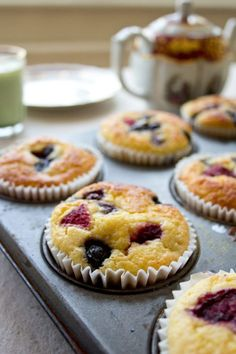 Grab & Go Low Carb Muffins. Grab & Go Low Carb Muffins Recipes Do you want a quick low carb, gluten and sugar free breakfast that is perfect for busy weekday mornings? Say hello to these Grab . Best Keto Breakfast, Sugar Free Breakfast, Delicious Breakfast Recipes, Breakfast Cereal, Breakfast Ideas, Mcdonalds Breakfast, Breakfast Bars, Breakfast Muffins, Breakfast Casserole