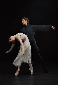 Principal Dancer with San Francisco Ballet. Guest with Mariinsky, Bolshoi and Tokyo Ballets. Former dancer with ENB and The Royal Ballet in London. All About Dance, Dance With You, Dance News, Ballet Clothes, Ballet Photos, Yoga Dance, Royal Ballet, Dance Company, Ballerinas