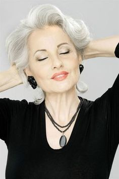 New hair grey highlights aging gracefully 35 Ideas Silver Haired Beauties, Silver Grey Hair, Gray Hair, White Hair, Lilac Hair, Pastel Hair, Blue Hair, Brown Hair, Grey Highlights