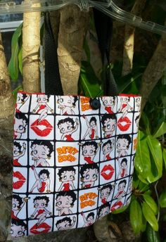 Betty Boop Tote bag Custom made. White Black and Red cotton fabric 1 pocket