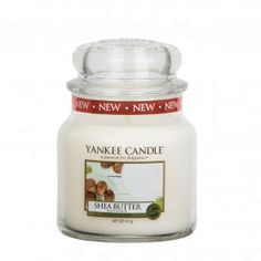 Shea Butter Medium Jar Candle Bring a sense of luxury to your home with this fragrant white candle in a glass jar from Yankee Candle. Indulge yourself in a smooth, creamy scent with hints of blossom. This medium Yankee Candles, Bougie Yankee Candle, Scented Candles, Glass Jars, Candle Jars, Candle Diffuser, Beautiful Fruits, White Candles, Cool Gifts