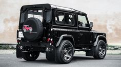 Defender TDCI XS 90 Station Wagon The End Edition. Buy used Land Rover Defenders, Jeep Wranglers and Mercedes-Benz with Kahn Design conversions from the Chelsea Truck Company. Land Rover Defender, Defender 90, Range Rover, Kahn Design, Sports Quilts, Automobile, Chelsea, Used Land Rover, Fuel Economy