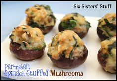 Parmesan Spinach Stuffed Mushrooms These stuffed mushrooms are sure to please any mushroom loving crowd. They are stuffed with yummy goodness! Yummy Appetizers, Appetizers For Party, Appetizer Recipes, I Love Food, Good Food, Yummy Food, Delicious Recipes, Poblano, Spinach Stuffed Mushrooms