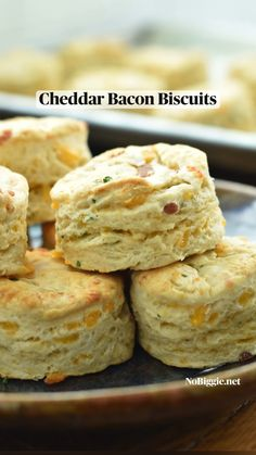 Buttery Biscuits, Baking Biscuits, Cheddar Biscuits, Cheddar Cheese, Biscuit Mix, Biscuit Recipe, Brunch Recipes, Breakfast Recipes, Bread Recipes