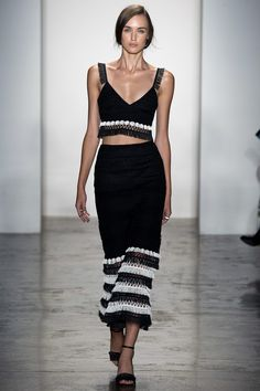 Jonathan Simkhai Spring 2016 Ready-to-Wear Fashion Show - Stasha Yatchuk