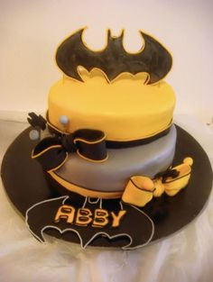 Batman Cake For Girl I made this cake for one of my BFF who is a complete batman nut. She loved it! I try to make it a bit feminine but not...
