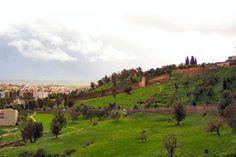 """Escaliers Bab-jamaa , ils relient l'ancienne Medina """"Taza haut """" et la nouvelle ville Taza bas"""