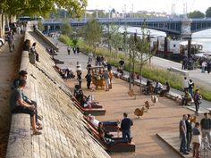Du parking des bas-ports au parc promenade des berges du Rhône<br><br> A Lyon, les Berges de la rive gauche du Rhône constituent un vaste croissant de près de 10 hectares sur 5 Km de long, au cœur même de la cité.  La Communauté Urbaine de Lyon...