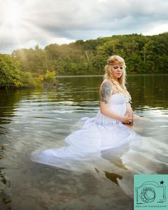Maternity photography in the water. www.erinlynphotography.com