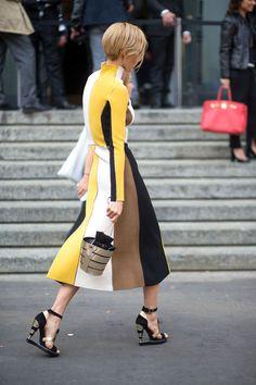 Head to toe in Milan. via - Fashion Week Fashion Mode, Look Fashion, High Fashion, Spring Fashion, Womens Fashion, Fashion Design, Fashion Trends, Sporty Fashion, Net Fashion