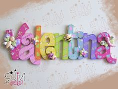 Imagem relacionada Painting Wooden Letters, Painted Letters, Wood Letters, Monogram Letters, Decorated Letters, Hanging Letters, Wooden Crafts, Diy And Crafts, Crafts For Kids