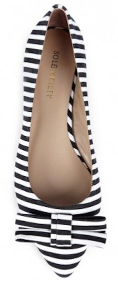 #black and #white pointed to flats http://rstyle.me/n/gavndr9te