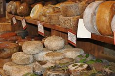 beautiful hilltop town and also famous for their lovely local pecorino cheese! Pecorino Cheese, Wine Recipes, Tuscany, Italian Recipes, Florence, Drinking, September, Food And Drink, Tasty