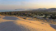 Dunas com vista para praia da Joaquina. Floripa. SC. Brasil